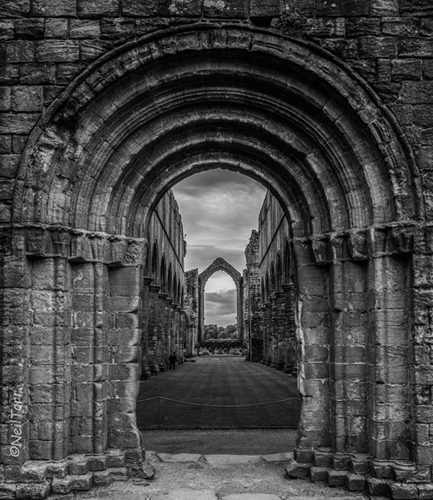 Nave through the arch