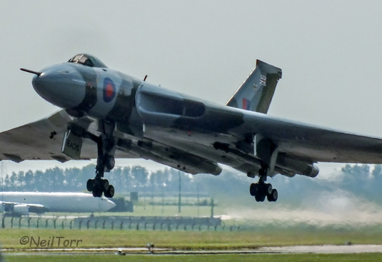 XH558 Taking of at RAF Waddington International 2013