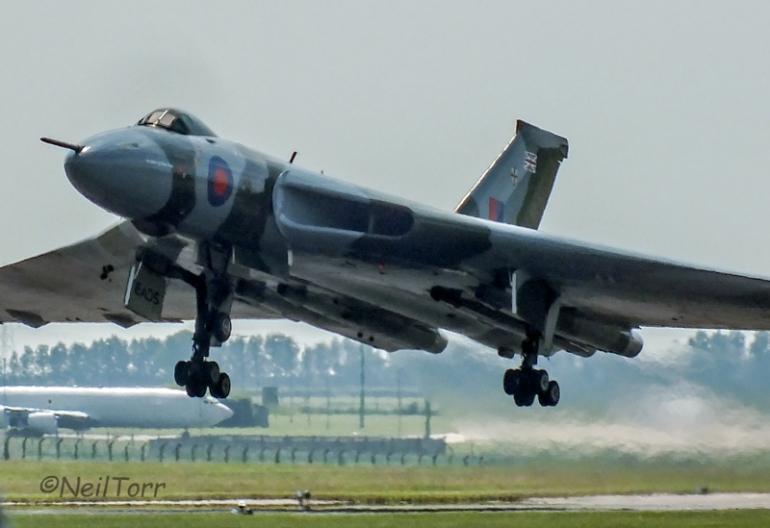 XH558 Taking of at RAF Waddington International 2013